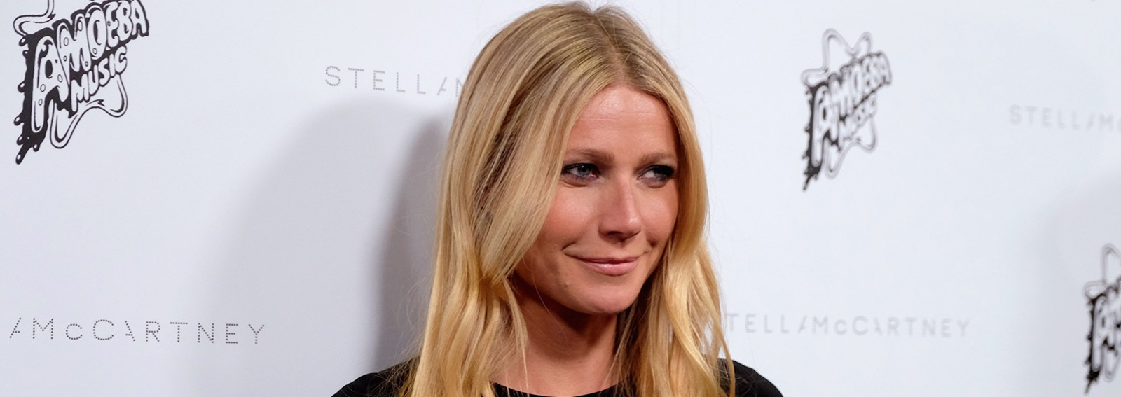 Gwyneth Paltrow posts photo with look-alike daughter