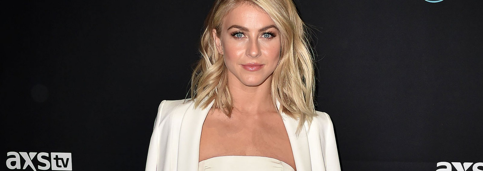 Julianne Hough makes a major fashion faux pas