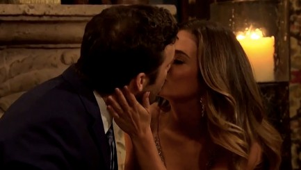 'Bachelorette' has awkward 1st kiss on premiere night