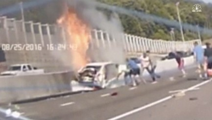 Watch Good Samaritans rescue woman from blazing car