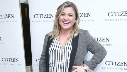 Kelly Clarkson teases secret project with video of her adorable daughter
