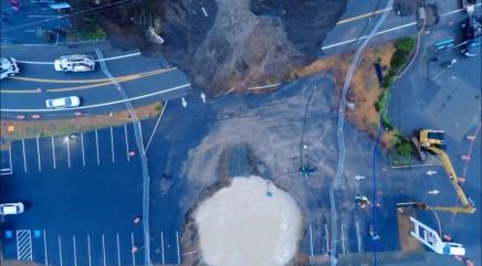 Massive sinkhole forms in Oregon