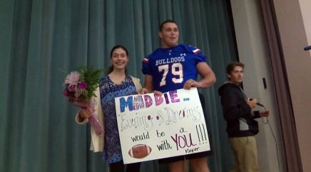 Teen gives up Disneyland for an emotional prom surprise