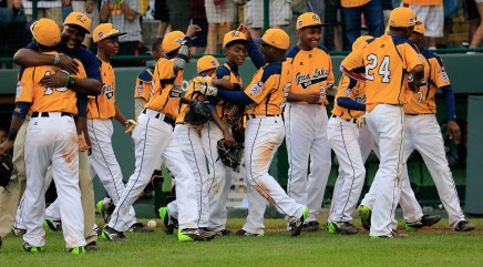 Little League champs put Obama on hold