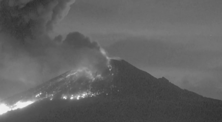 Watch Mexican volcano's spectacular eruption