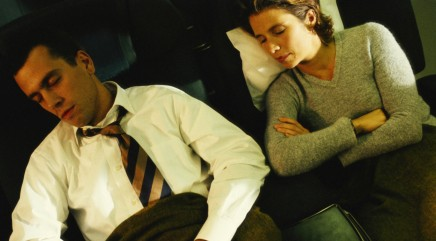 Debate: To recline or not to recline on airplanes