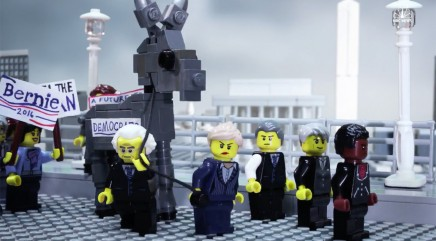 LEGOs explain the truth behind the American political party system