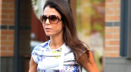 Bethenny squeezes into 4-year-old's outfit