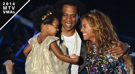 Beyonce and Jay Z kiss divorce rumors goodbye