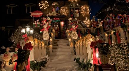 Brooklyn neighborhood's incredible Christmas decorations will wow you