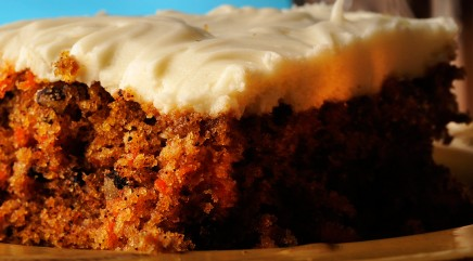 How to make a Mother's Day carrot cake