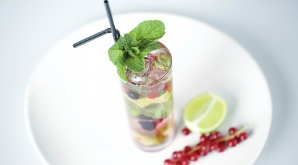 How to make low-cal Chockay Collins cocktail