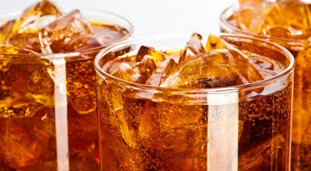 Why you should avoid diet soda with alcohol