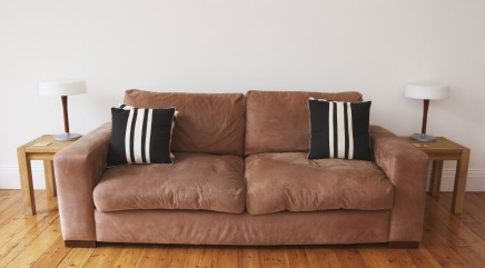Student finds $40,000 in $20 couch