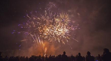 Fireworks sales benefit local school