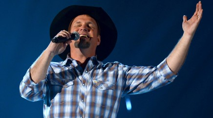 Garth Brooks is back