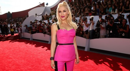 Gwen Stefani heats up the red carpet