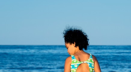 Best ways to maintain natural hair on vacation