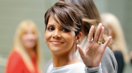 Halle gets real about 'geriatric pregnancy'