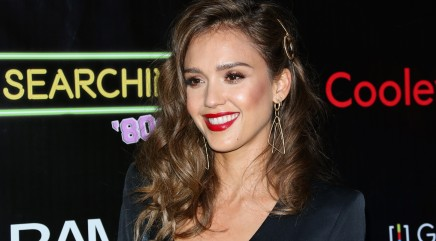 Jessica Alba shows off her toned bikini body
