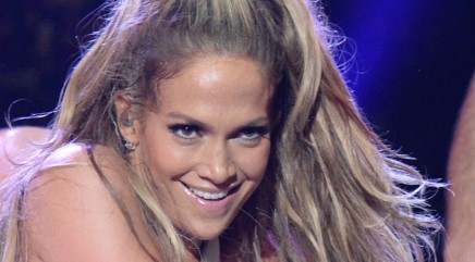 Is J.Lo dating a 'DWTS' pro?