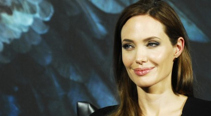 Jolie speaks about Brad's red carpet attack