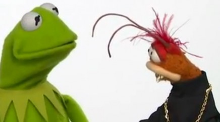 Kermit and Pepe on how to promote a movie