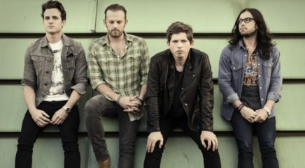 Kings of Leon kick off major U.S. tour