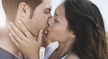 Experts reveal the real reason we kiss with our eyes closed
