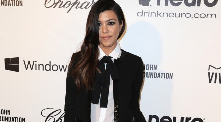 Kourtney compares pregnancy snapshot to mom's