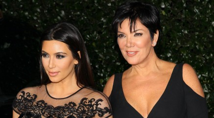 Kris Jenner posed topless with her daughters?