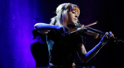 Lindsey Stirling performs 'Beyond the Veil'