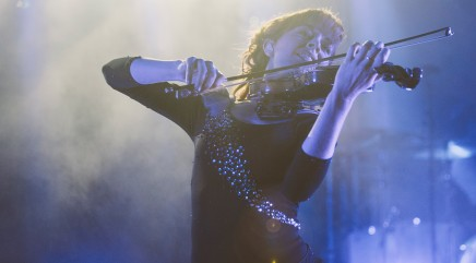 Artist Lindsey Stirling performs new single