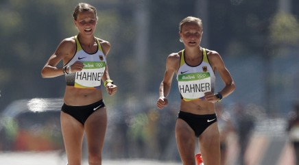Twin marathoners spark controversy in Rio with gesture during race