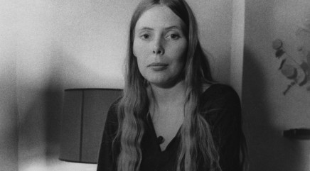 Joni Mitchell: 'Greatest female guitarist of all time'