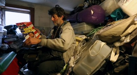 A hoarder tries to let go