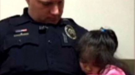 Police officer's heartwarming act for busy father goes viral