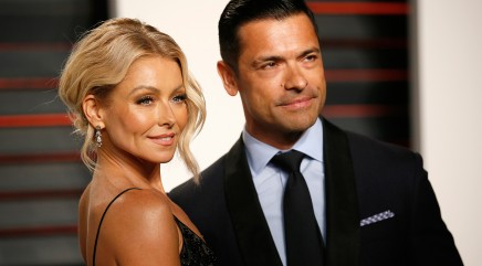 Kelly Ripa and Mark Consuelos attempted to hike with their dog -- and the pup was not having it
