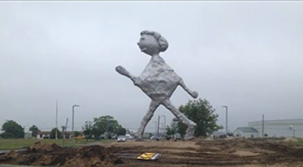 Strange statue causing stir in Hamptons