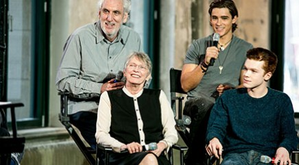 What sets 'The Giver' apart from 'The Hunger Games'
