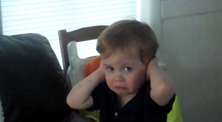 Young boy has the best reaction to vacuum cleaner