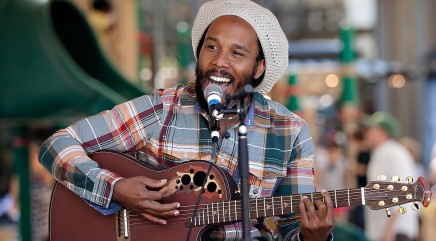 Ziggy Marley debuts new music video featuring his family