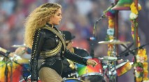 Beyonce nearly tumbles during Super Bowl halftime show