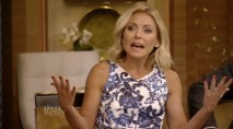 Kelly Ripa abruptly asks for a 'time-out' in the middle of Blake Shelton interview