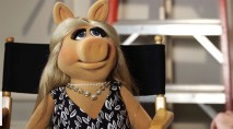 Miss Piggy chooses a side in feud between Kanye West and Amber Rose