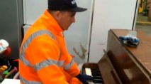 Garbage man stuns with incredible piano skills