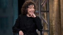 Lily Tomlin dishes on how Jane Fonda really 'stays in shape'