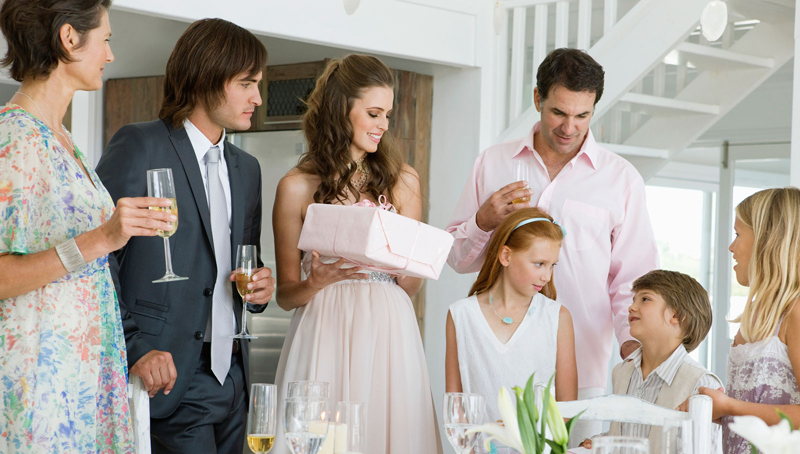 How Much To Spend On Wedding Gifts: How Much Should You Spend On Wedding Gifts?